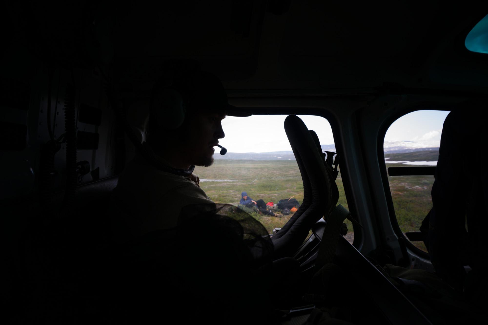 Førstereis ville bare sitte i lyngen, og Vea ville bare kjøre kopter. Foto: Arnstein Værdal